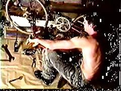 Vintage: Simon Rex - Bike Shop