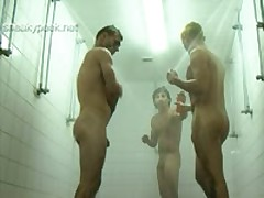3 Dudes Shower