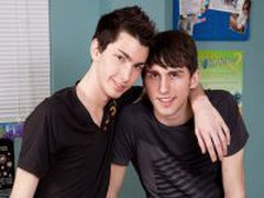 Twinks Clean Each Other