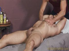 Hairy Muscle Gets Rubbed And Sucked
